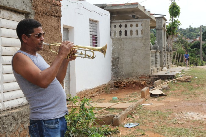 Dagoberto outside his house in Trinidad